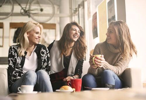 girls-talking