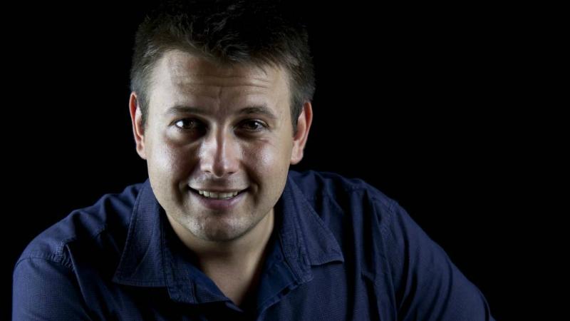 Мартин Петров- сертифициран коуч, мотивационен лектор и треньор по меки умения. Прочети повече тук.
